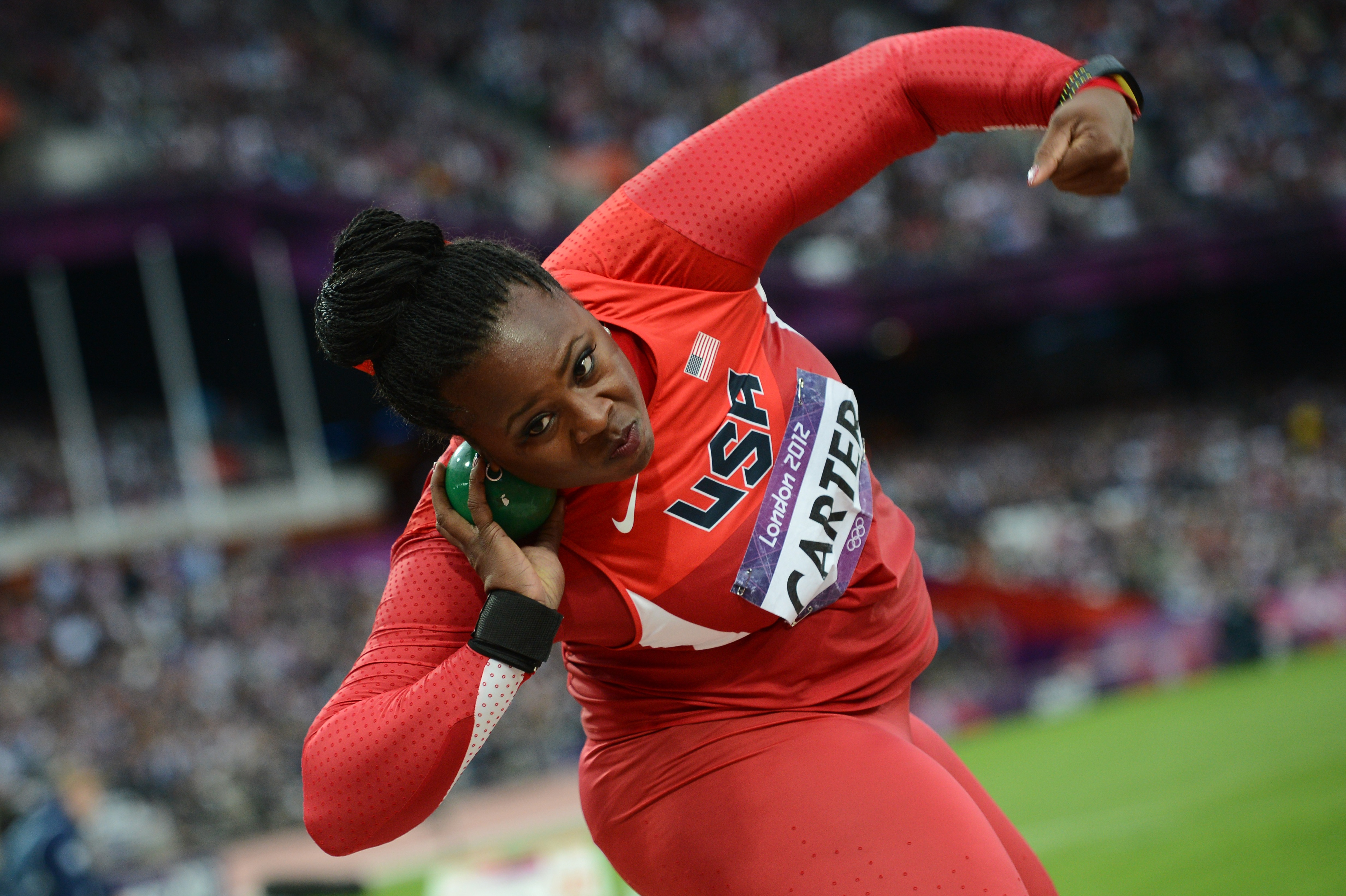 US' Michelle Carter competes in the wome