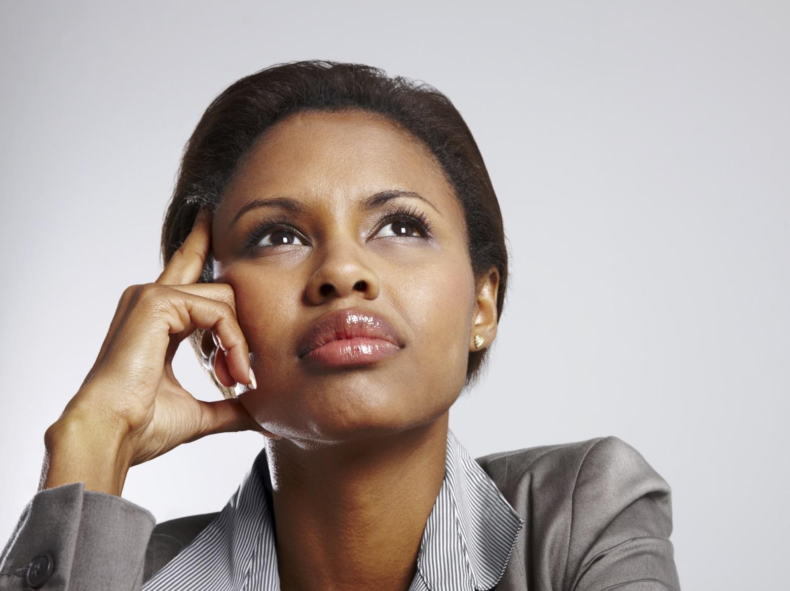 http://www.rippdemup.com/wp-content/uploads/2012/12/yolanda-spivey_black-woman-pretends-to-be-white-to-get-job1.jpg