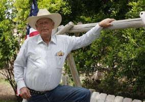 clivern-bundy-ranch-standoff-militia (1)