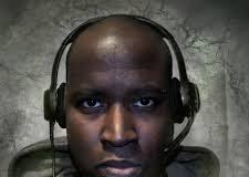 black_headphones