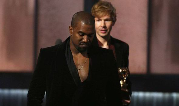 grammys-Beck-and-Kanye-on-stage-557021