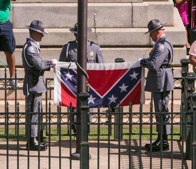 confederate-flag-removal-south-carolina_640x